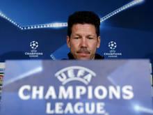 Simeone bij de persconferentie van de Champions League