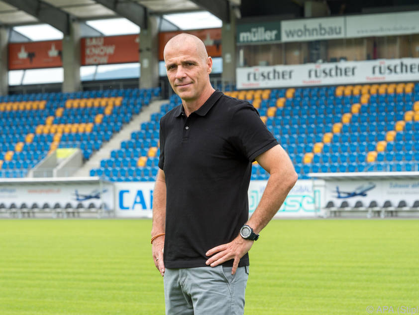 Der neue Altach-Coach Klaus Schmidt feiert sein Pflichtspieldebüt