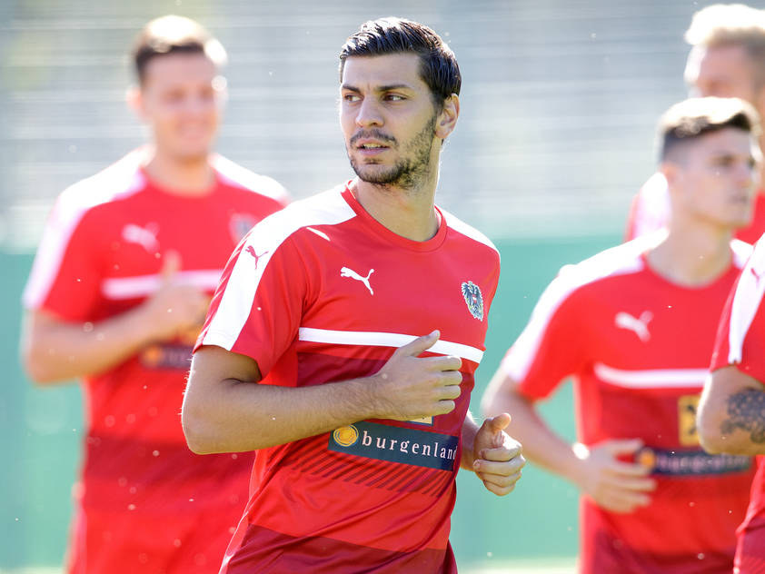 Bayer Leverkusen kaufte den Innenverteidiger für 18 Millionen Euro