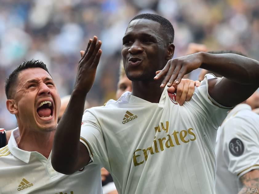 Cristián Zapata rettete Milan einen Punkt und damit auch Platz sechs