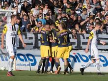Salzburg feiert 3:1-Sieg in Oberösterreich