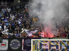 Im Stadion wurden Pyro und ein Böller gezündet