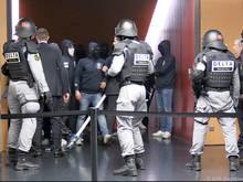 Vermummte FCZ-Fans drangen via Spieler-Tunnel ins Stadioninnere