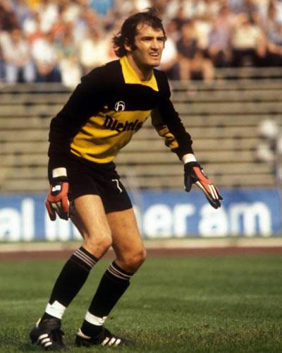 Gerhard Heinze Gerhard Heinze