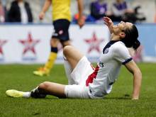 PSG-Stürmer Edinson Cavani ärgert sich über eine ausgelassene Torchance