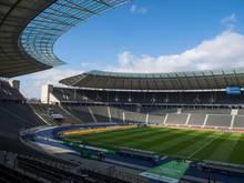 Die UEFA gibt die Kapazität des Berliner Olympiastadions für das Endspiel mit 70.500 Zuschauern an
