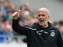 Hannovers Trainer Michael Frontzeck feierte mit seinem Team einen 1:0-Sieg gegen Monaco