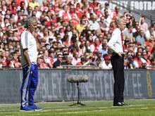Chelsea-Coach José Mourinho (l.) und Arsenals Trainer Arsène Wenger pflegen eine lange Rivalität