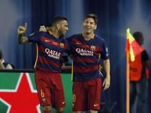 Lionel Messi (r.) und Dani Alves haben sich mit Barcelona erneut durchgesetzt