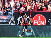 Hanno Behrens jubelt über sein Tor zum 1:0 für den FC Nürnberg
