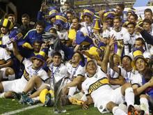 Die Spieler der Boca Juniors feiern den Gewinn der argentinischen Meisterschaft