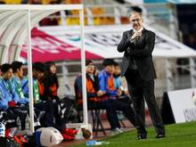 Coach Uli Stielike feierte mit Südkorea den nächsten Dreier