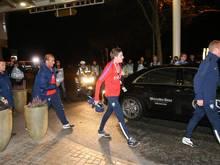 Auch das niederländische Team erfuhr die Nachricht der Spielabsage auf dem Weg zum Stadion
