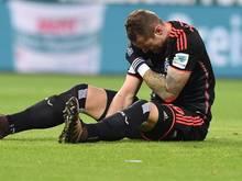 Hamburgs Pierre-Michel Lasogga verletzte sich imDerby gegenBremen schwer an der Schulter