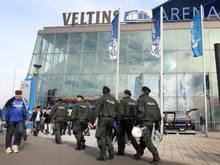 Nach dem Spiel gegen den VfL Wolfsburg sind in Gelsenkirchen einige Fans ausgerastet