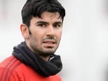 Serdar Tasci hatte sich im ersten Mannschaftstraining am Kopf verletzt