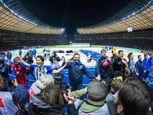 Das Ziel von Trainer Pal Dardai (M) und seiner Hertha: Das Pokal-Finale im heimischen Olympiastadion
