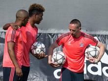 Kingsley Coman (M.) nahm am Abschlusstraining des FC Bayern teil