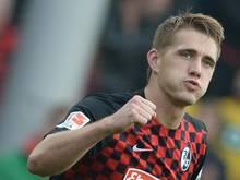 Nils Petersen wird weiter für den SC Freiburg stürmen. Foto: Patrick Seeger