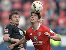 Christoph Moritz (r.) wechselt zum 1. FCKaiserslautern
