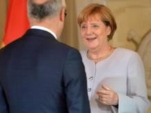 Bei einem Empfang lobte Bundeskanzlerin Angela Merkel den EM-Gastgeber und gratulierte dem neuen Europameister