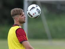 Niclas Füllkrug hat sich beim 96-Training am Schienenbein verletzt