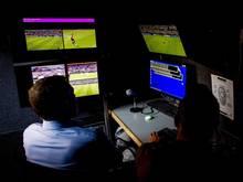 Der Videobeweis hält Einzug im internationalen Fußball