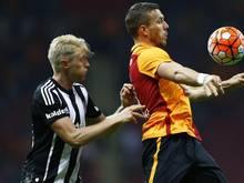 Andreas Beck (l.) und Lukas Podolski spielen bei Istanbuler Klubs