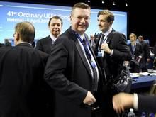 Reinhard Grindel (v.) zweifelt an der Zukunft des Confed Cups und der Klub-WM
