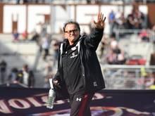 Ewald Lienen ist noch Trainer des FC St. Pauli