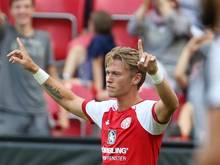 Neuzugang Viktor Fischer jubelt nach seinem Treffer gegen Newcastle United