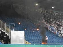 Anhänger von Hansa Rostock zündeten Stadionsitze an
