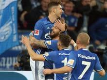 Matchwinner unter sich: Leon Goretzka (o.) und Guido Burgstaller lassen Schalke jubeln