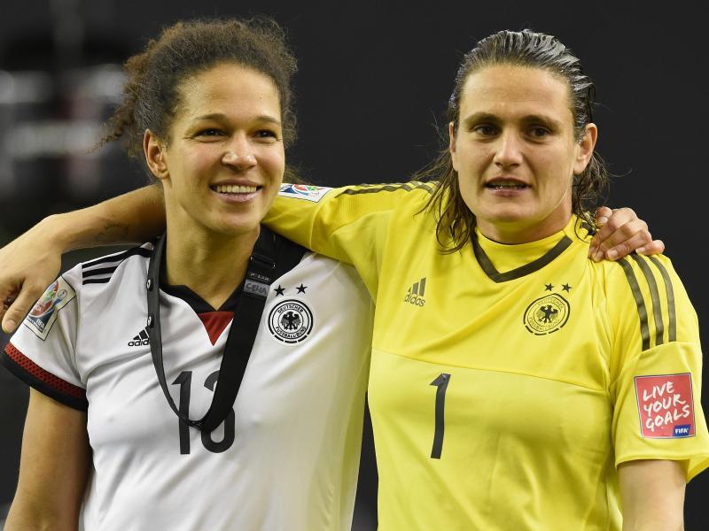 Celia Sasic (l.) und Nadine Angerer werden am Donnerstag feierlich verabschiedet