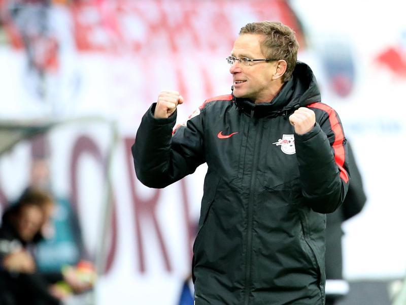 Cheftrainer Ralf Rangnick geht beim RB Leipzig mit viel Elan zur Sache. Foto: Jan Woitas