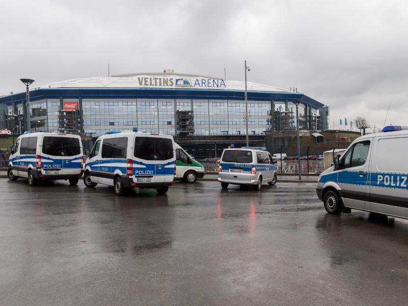 Die Begegnung zwischenSchalke 04 und Ajax Amsterdam ist für die Polizei ein
