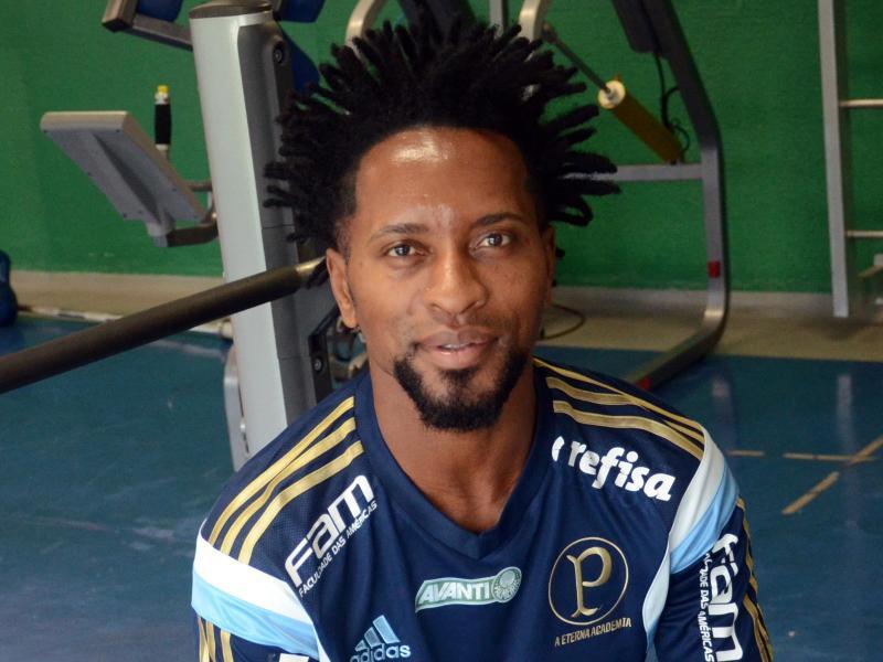 Genialer Linksfuß: Ze Roberto beendet Karriere