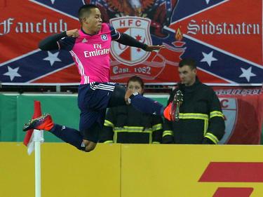 Nach nur acht Minuten brachte Bobby Wood den Hamburger SV in Führung