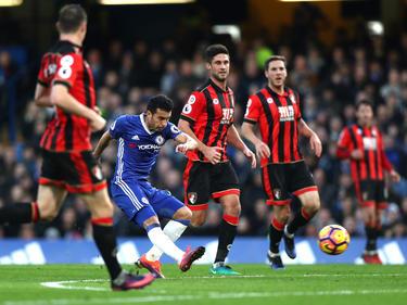Pedro (Chelsea) le hace un tanto al Bournemouth en esta liga. (Foto: Getty)