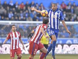 Deyverson und Diego Godín gerieten im direkten Duell häufiger aneinander