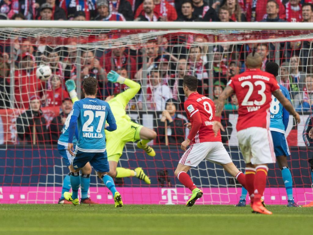 Gegen den Hamburger SV zeigte sich Robert Lewandowski wieder einmal von seiner besten Seite. Er traf gleich dreifach. (25.2.2017)