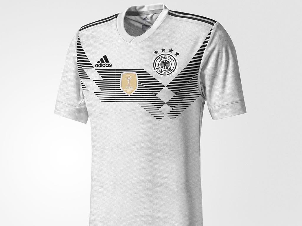 Ist dies das Trikot des DFB-Teams bei der WM 2018? Quelle: www.footyheadlines.com