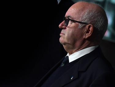 Carlo Tavecchio stellt sich vor Azzurri-Coach Giampiero Ventura