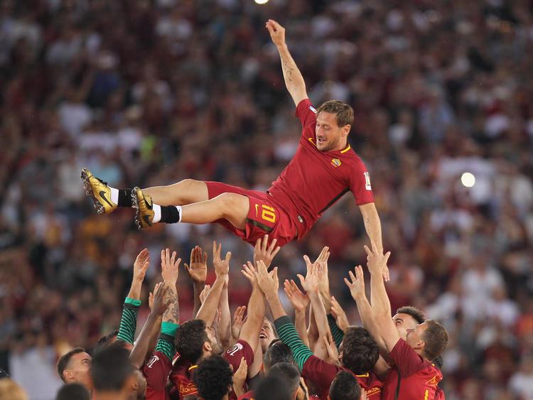 Francesco Totti will seine Spielerkarriere fortsetzen