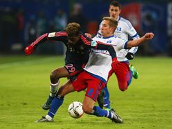 Hamburgs Lewis Holtby (r) will sich zurück in die DFB-Elf kämpfen
