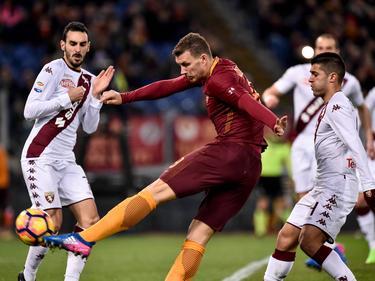 Edin Džeko gehört mit 19 Treffern zum Spitzentrio im Kampf um den Golden Shoe 2017