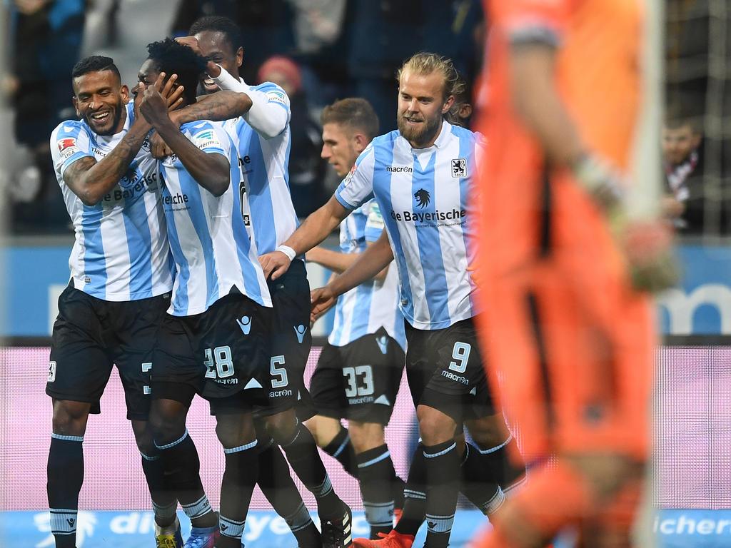 Die Löwen bejubeln den zweiten Treffer in der Allianz Arena