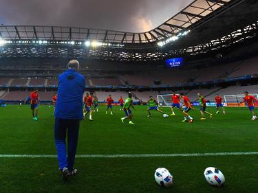 Spaniens Nationaltrainer Vicente Del Bosque ist sehr froh über seine Ersatzspieler