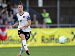 Viktoria Schnaderbeck ist im ÖFB-Frauen-Nationalteam als Kapitänin, Rückhalt in der Defensive und wichtige Wortführerin gefragt