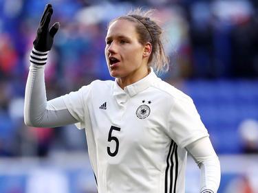 Babett Peter fordert einen dominanten Auftritt gegen England